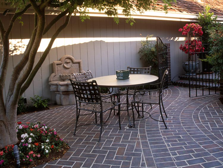 Dramatic Patio Space